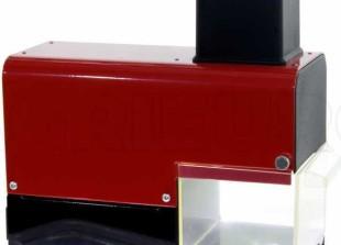 grattugia-elettrica-new-o-m-r-a-om-2900-ro-da-tavolo-con-rullo-estraibile-rossa-200w-grattugia-elettrica-da-tavolo-new-o-m-r-a-